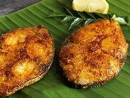 Рецепта Пържена риба скумрия на шайби (кръгчета) в брашно по тракийски със сос от майонеза, кисело мляко и горчица